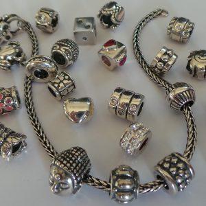 Zilveren kralen